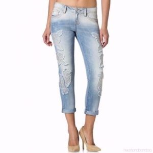 Miss Me Boyfriend Ankle patch embroidered Jeans